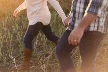 Pengar får ge vika för kärlek när svensken definierar meningen med livet