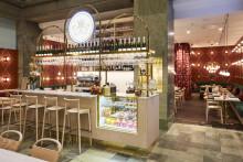 Nu öppnar Haga Schweizeri på NK med afternoon-tea och caketails