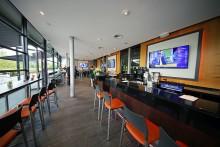 Arena Leipzig eröffnet mit Ur-Krostitzer als Bierpartner neue Sportsbar in modernem Design