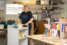 Bücherwurm aus Überzeugung: Leiterin der Hephata-Bibliothek geht in den Ruhestand