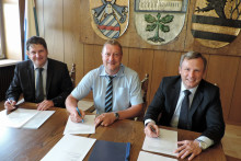 Partner bei der Gasversorgung: Sonnefeld und Bayernwerk verlängern Konzession