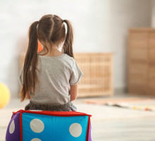 Clas Ohlson sitoutuu entistä vahvemmin lasten oikeuksiin – uusi kumppanuus World Childhood Foundationin kanssa