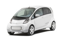 Mitsubishis nya el-bil har landat i Sverige