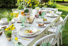 ​From breakfast to candlelight dinner – It's the season of alfresco dining