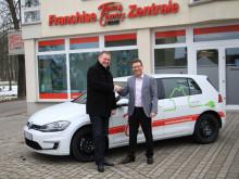 Nachhaltigkeit beim Hausbau - Town & Country Haus testet Elektromobilität
