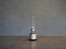 Kristalno jasen zvok visoke ločljivosti, ki se harmonično sklada z vašim interjerjem: predstavljamo nov Sonyjev stekleni zvočnik