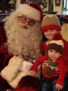Santa serves up treat for children at Thameslink and Great Northern stations
