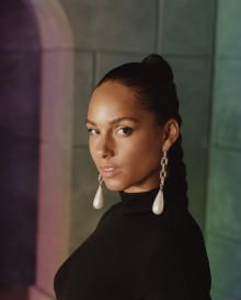 """Alicia Keys släpper låten """"Time Machine"""" och är host för Grammy Awards 2020"""