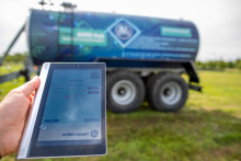 Agriculture 4.0: Total transparency in driving, loading, spreading, feeding and weighing with the BPW AGRO Hub weighing system