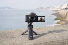 Sony erweitert sein Sortiment für Vlogger um die neue Vlog-Kamera ZV-1 und eine kompakte 4K Handycam