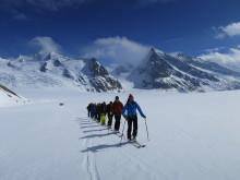 An die Felle, fertig, los: Skitouren in der Schweiz