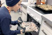 Thoren Framtid bakade kakor med kärlek för BRIS