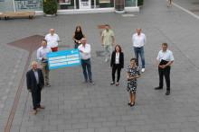Deutsche Glasfaser spendet 3.000 Euro für Digitalisierung von Schulen in Erftstadt