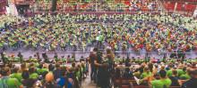 2000 lägerdeltagare från Side by Side by El Sistema ger konsert i Scandinavium!