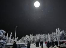 Midnattssolen tändes över Gällivare inför byggstarten av Riksbyggens 40 nya bostäder