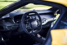 Ford GT – med 50 sensorer, 25 computere… og 2 kopholdere