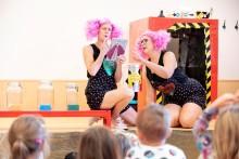 Fantasifröknarna från Bjurhovdasmycket är finalister till Guldäpplet