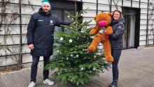 Nikolaus-Überraschung: Weihnachtbäume und Gutscheine für Bärenherz
