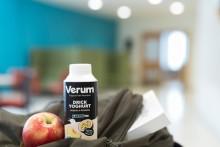 Unika mjölksyrabakterier kombineras med persika och passionsfrukt i Verums nya Drickyoghurt