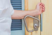 ASSA Hygienic Handle – det moderna dörrtrycket för sjukhus