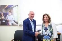 Hitachi Rail Italy firma con Trenitalia Accordo Quadro per i nuovi treni regionali doppio piano