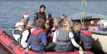 Här lär sig ungdomar segla i Stockholms skärgård