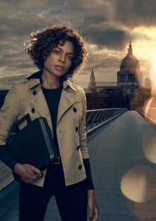 Moneypenny speelt de hoofdrol in de campagne video van Sony