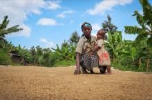 Riksbyggen ger 75 000 extra till We Effects kamp mot hungerpandemin