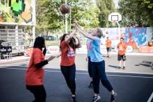 BonnierHoops aktiverar unga i Biskopsgården hela sommaren