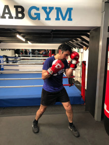 Brighton boxing beginner fights for cancer charity