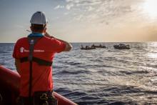 En majoritet av svenskarna är fortsatt positiva till en medmänsklig migrationspolitik