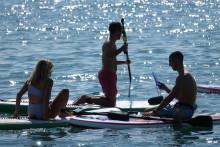 Música sin límites, incluso debajo del agua, con los altavoces SRS-XB41 de Sony