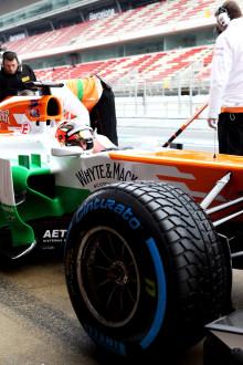 F1 test nummer tre i Barcelona. Sista chansen att samla data om Pirellidäcken innan F1-premiären.