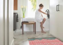 Nya QuickNet golvvärmematta – med förbättrad vidhäftning samt touch- och swipe-termostat