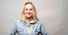 """Hele Norges """"Helsesista"""" har skrevet bok som bør være pensum for alle tenåringsforeldre"""