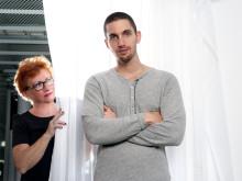 Retorikexpert utmanar ståupparen Simon