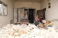 Omöjligt val i nordvästra Syrien– stanna i läger och riskera coronasmittan eller återvända till förstörda hem nära frontlinjen