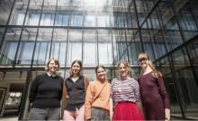 Designstudenter klär Viskaholm i textil