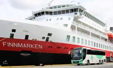 Hurtigruten og Tide med historisk bussavtale: Satser på biodiesel og elbusser