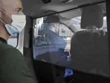 Ford uvádí na trh nové ochranné přepážky, které pomohou cestujícím ve vozech Transit a Tourneo dodržovat hygienický odstup