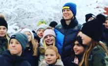 Andra halvlek i Jorden runt-loppet när olympier besöker Södertälje
