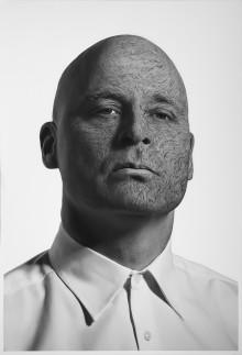 Pressevisning og anmelderinvitasjon - Vegar Hoel er tilbake på Rogaland Teater med monologen Kjellermennesket