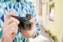 Voyagez léger avec les nouveaux appareils photo compacts haute performance et zoom puissant de Sony