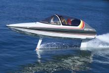 【ニュースレター】30年を経て湖上に蘇った夢の「水中翼船」