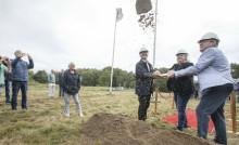 Första spadtaget för Fiskebäck äldreboende i Lysekil är nu taget!