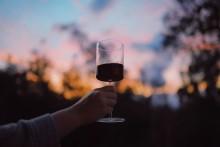 Oväntade vin- och matkombinationer till höstens middagar