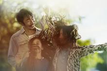 Tre slopar surfkostnaden för musikstreaming - släpper musiken fri för alla kunder