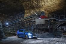 Video: Ford Fiesta ST in einem der größten Salzbergwerke Europas - 400 Meter unter der Erde