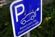 Ohne Auto mobil - Westfalen Weser Energie zeigt verschiedene Komponenten der Elektromobilität