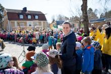 1 april: Barn i Västerås och världen springer 100 varv runt jordklotet för en bättre värld